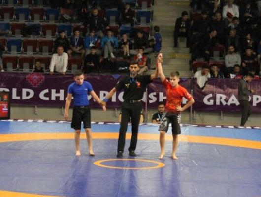Белгородцы взяли 13золотых медалей напервенстве мира погрепплингу