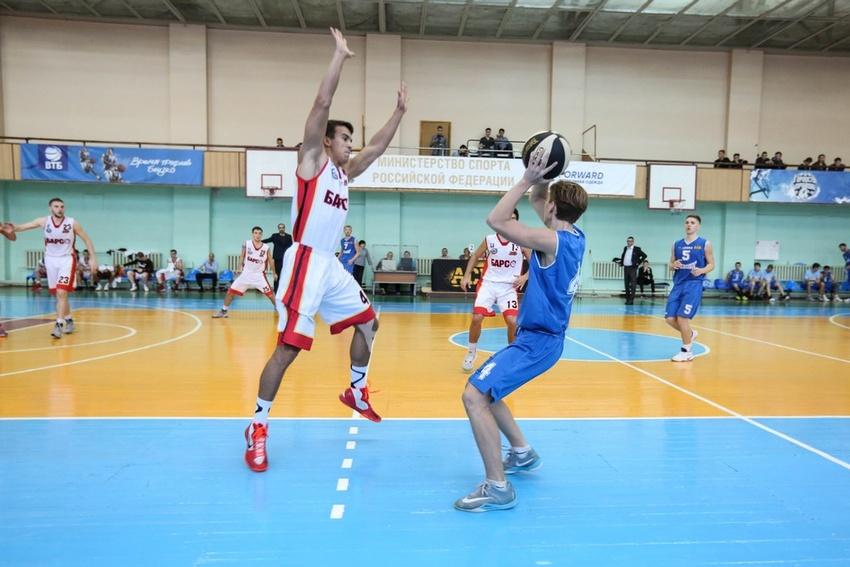 Баскетболисты «Белых львов» начали сезон сдвух побед