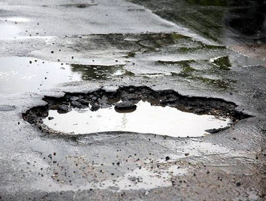 Администрацию Борисовки обязали заплатить 100тысяч рублей автомобилистке