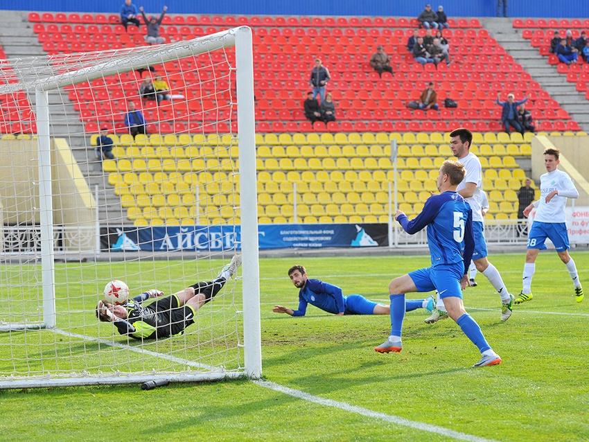 «Энергомаш» победил пензенский «Зенит» сосчётом 3:2