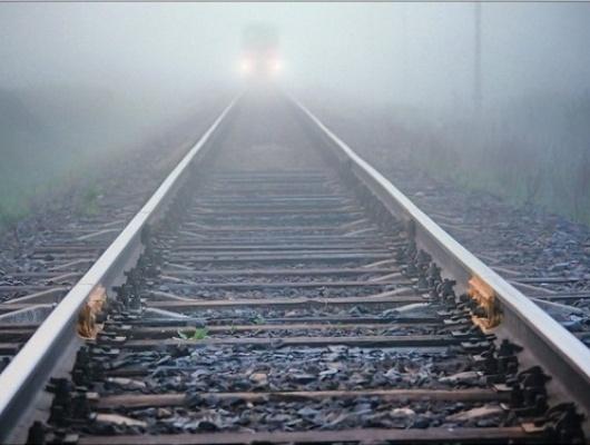 Семье погибшего подпоездом старооскольца выплатят 80 тысяч рублей