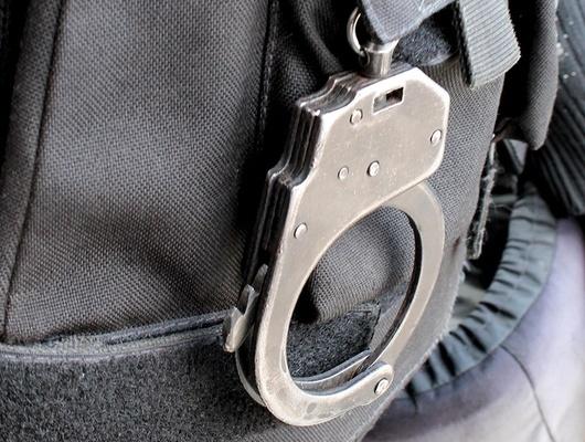 Правоохранители задержали белгородца, подозреваемого вторговле оружием