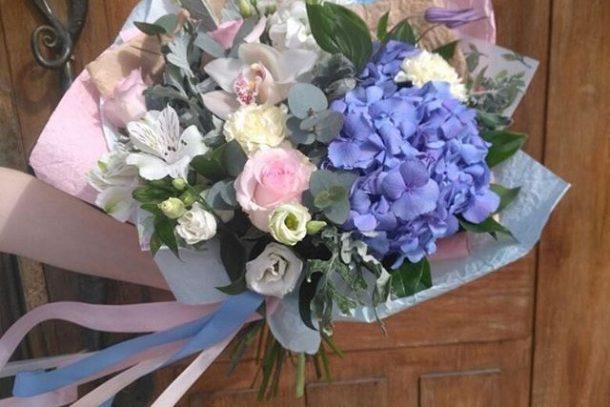 Раскрасьте День матери яркими цветами