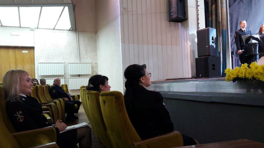 Полицейские Первоуральска отметили профессиональный праздник большим концертом