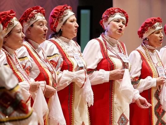 Спесней напенсию. Каклюбительские хоры раскачали белгородский ДК«Энергомаш»