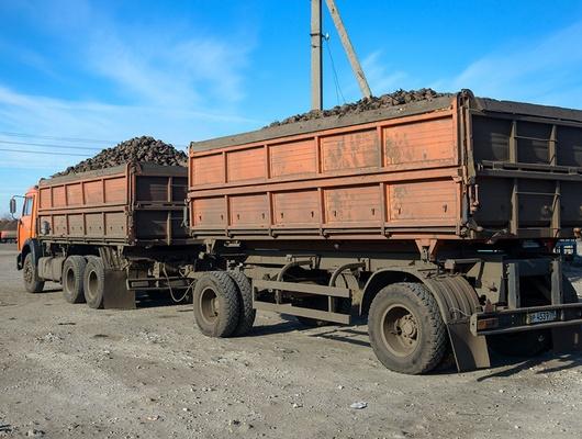 Водителям большегрузов предложили мыть колёса при выезде с полей