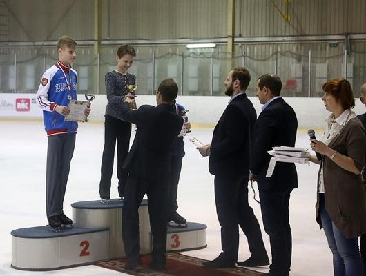 Белгородец выиграл золото наКубке Алексея Мишина пофигурному катанию