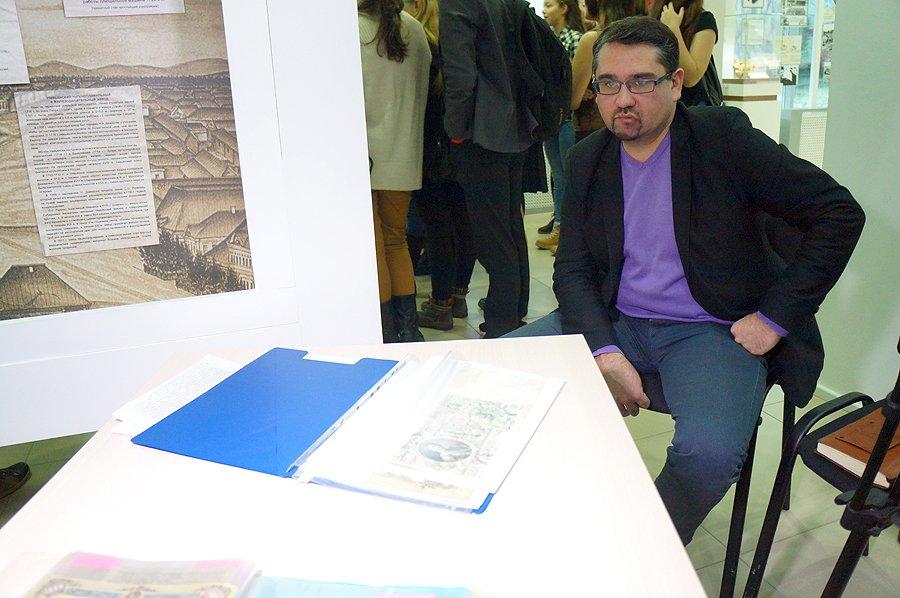 Сегодня в ИКЦ прошла выставка редких денег. Много фото