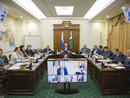 Вся власть советам. Евгений Савченко ичлены правительства встретились вновом формате