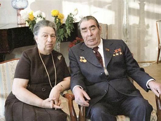 «Лучше Вити никто неготовит». Как девушка изБелгорода стала первой леди Советского Союза