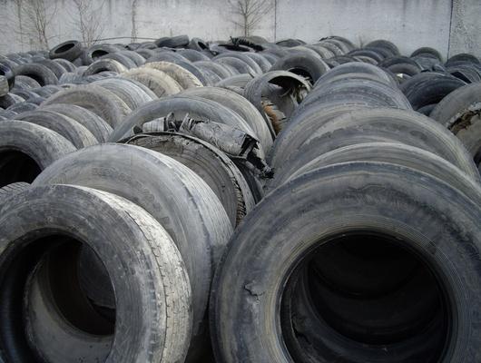 ВСтаром Осколе начали перерабатывать шины грузовиков иавтобусов