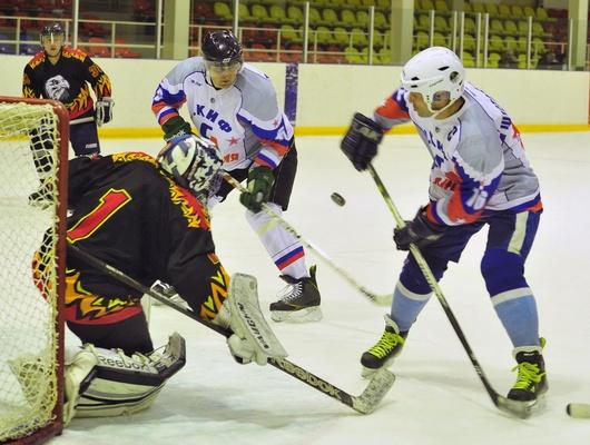 Белгородская Ночная хоккейная лига подошла ксередине сезона