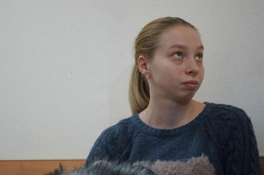 Сегодня в суде начали рассматривать дело Любови Шварцкоп, обвиняемой в истязании ребенка. Видео